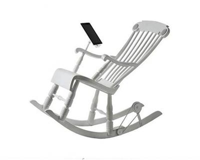 Кресло-качалка, чтобы отдыхать и сразу заряжать iPhone или iPad