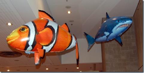 надувные летающие рыбы